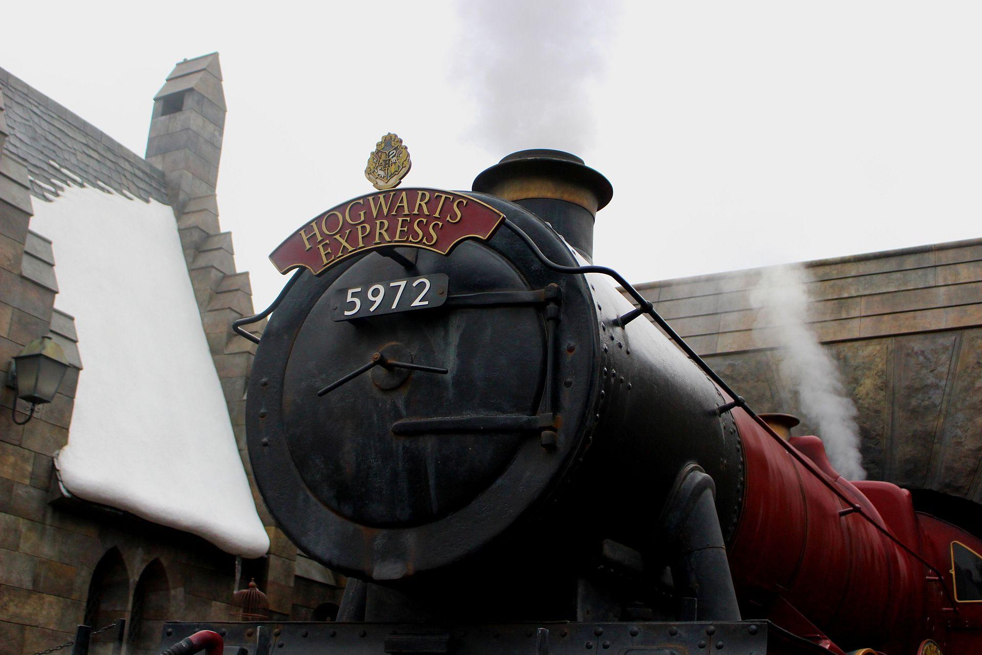 Hogwarts-train-image-2
